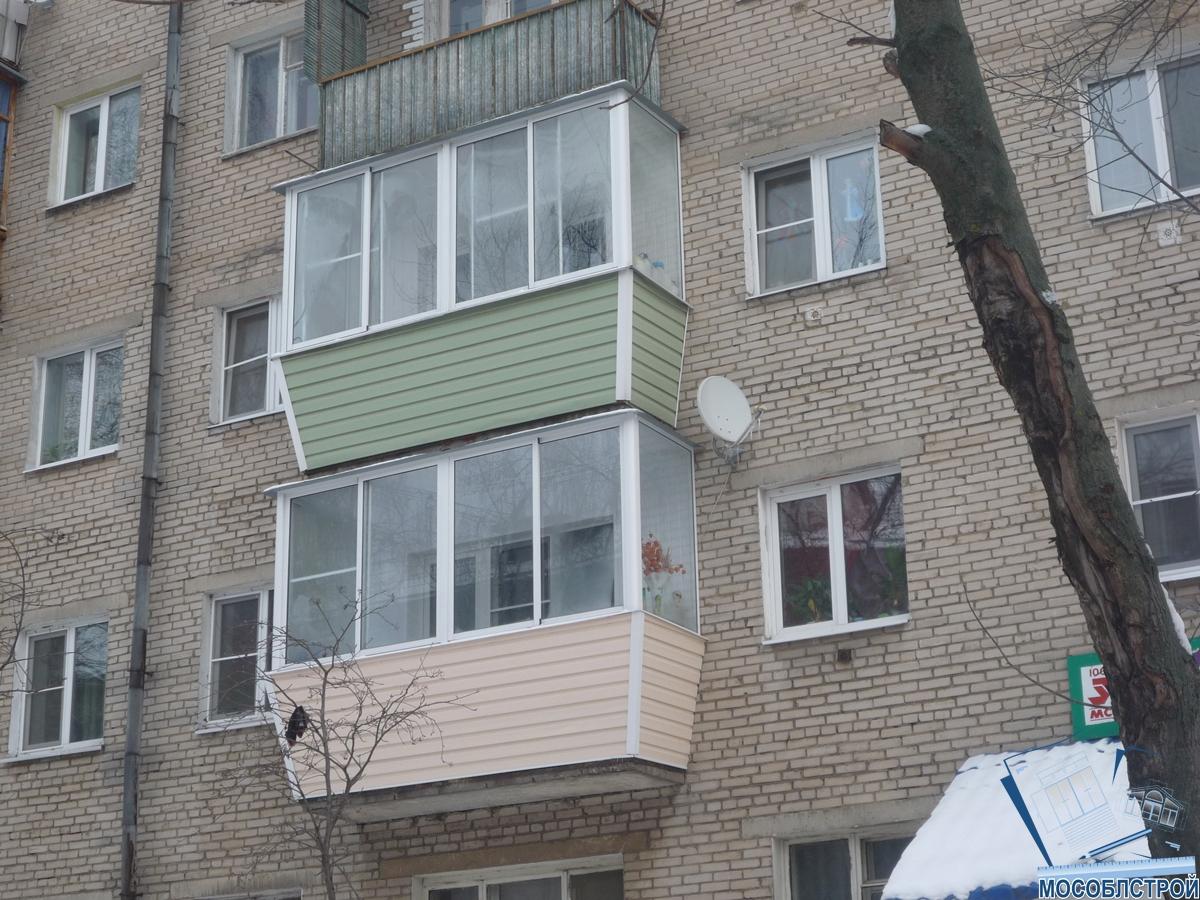 Остекление балкона в хрущевке.